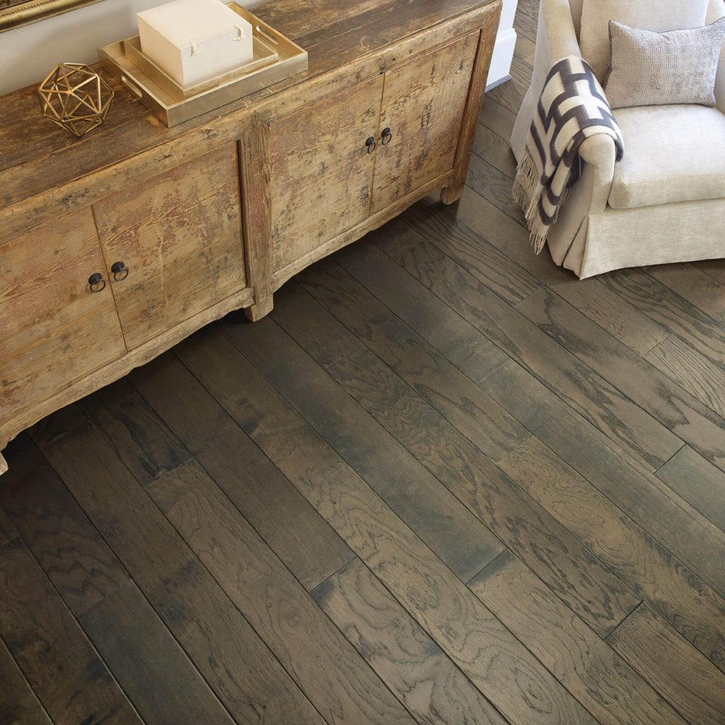 Hardwood flooring | Bassett Carpets